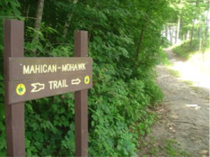 A hike on the Mahican Mohawk Trail @ Florida | Massachusetts | United States